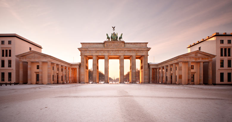 http://www.boutique-hotel-berlin.de/wp-content/uploads/2016/10/slider-content-start-brandenburger-tor-winter.jpg
